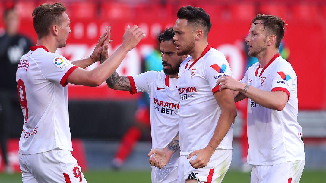 Севиля продължава да мечтае за титлата след успех над Гранада (видео)