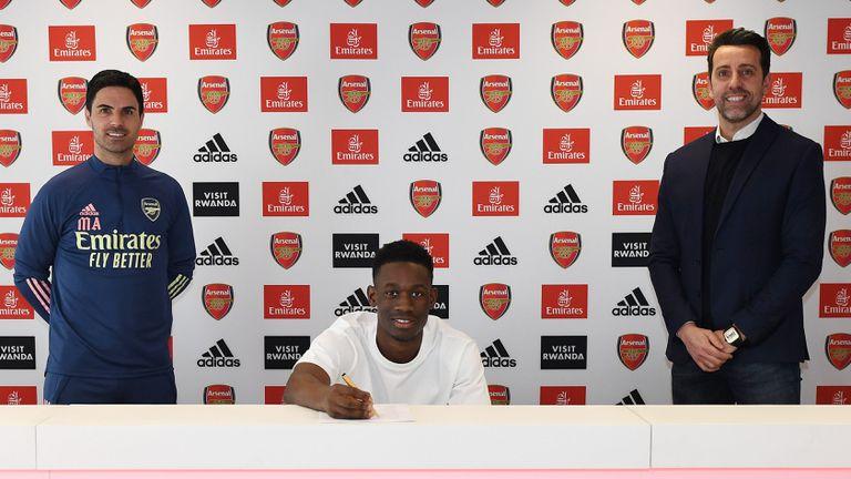 Един от големите таланти на Арсенал преподписа с клуба