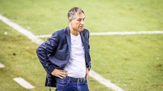 Сантос остана без треньор