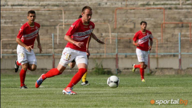 Осем подписват с ЦСКА днес