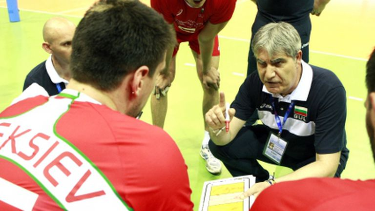 Камило Плачи определи 14-те волейболисти за Евроволей 2013