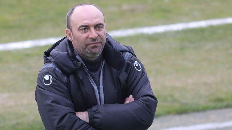 Марек без капитана си, a Беласица без треньора си днес в дербито
