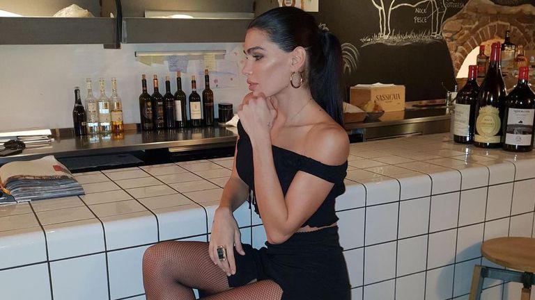 Сръбска красавица не остави много на въображението 😲
