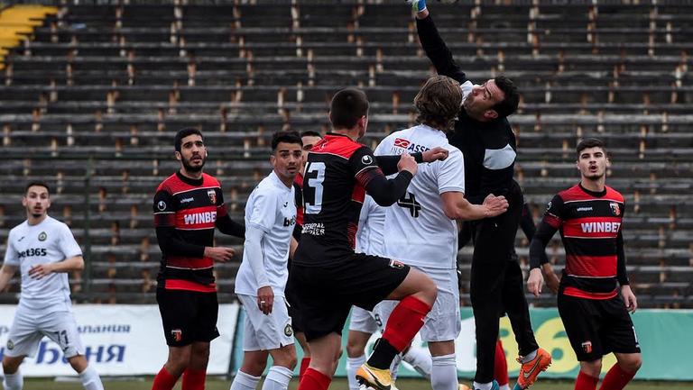 Славия и Локомотив Пловдив завършиха наравно в контрола