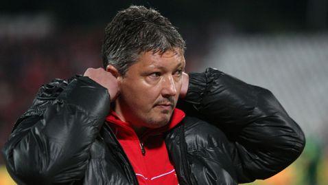 """Сензация: Акрапович е уволнен, Любо Пенев се завърна на """"Армията"""""""
