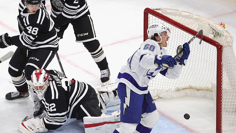 Шампионът Тампа Бей се класира за плейофите в НХЛ след успех със 7:4 над Чикаго