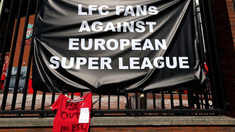 Ръководството на Ливърпул се съгласи на среща с феновете, за да се обсъдят промени