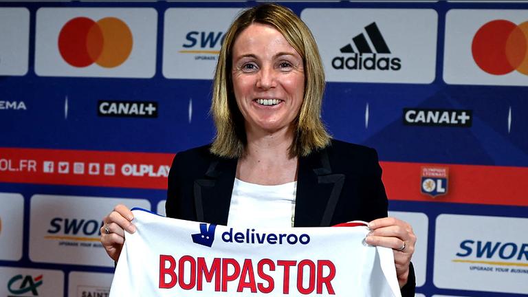 Най-успешният женски тим за пръв път ще бъде воден от дама