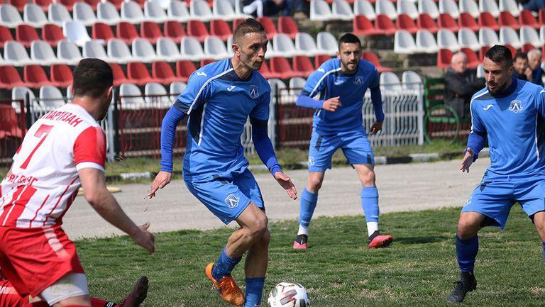 Левски (Лом) постигна нова убедителна победа