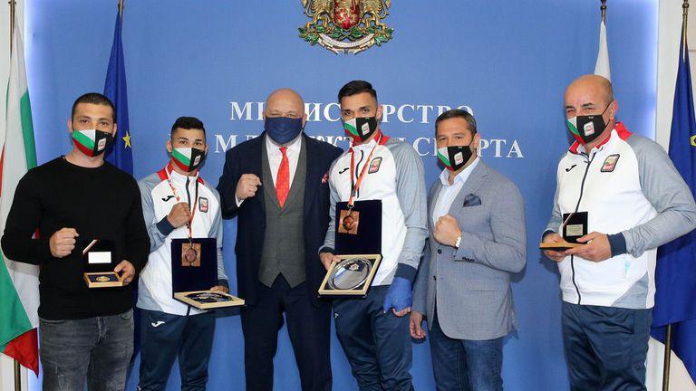 Министър Кралев награди медалистите от световното първенство по бокс за младежи и девойки