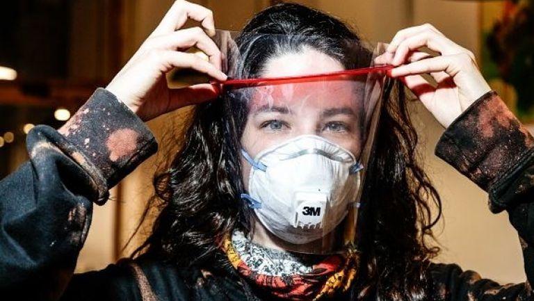 Барселона дари 30 000 маски в борбата срещу коронавируса