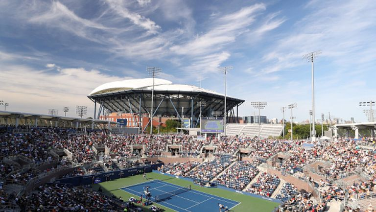 Най-големият корт на US Open става полева болница