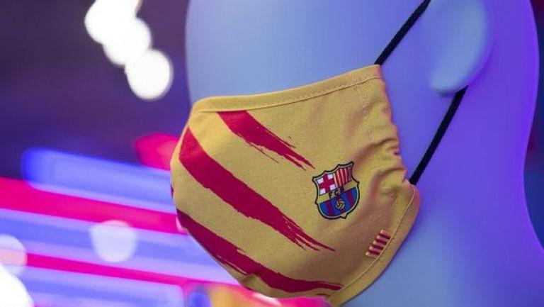 Играчите на Барселона презентираха маски с клубните символи