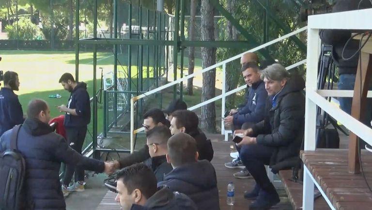 Чандъров и Александър Димитров гледат Левски - Рапид