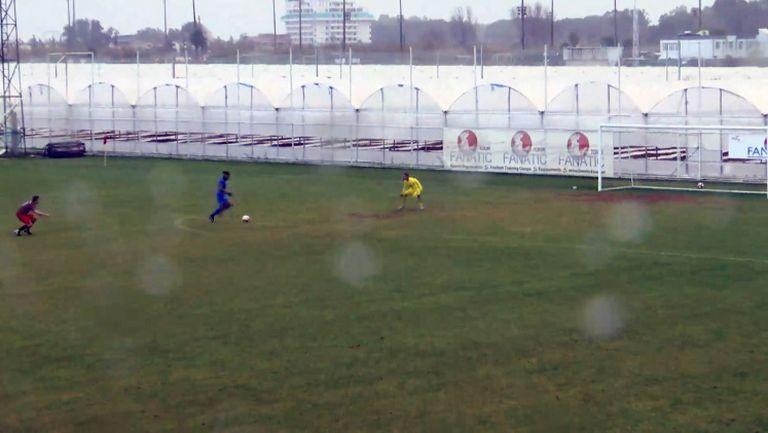 Бадуил Канда удвои аванса за Фарул срещу Септември