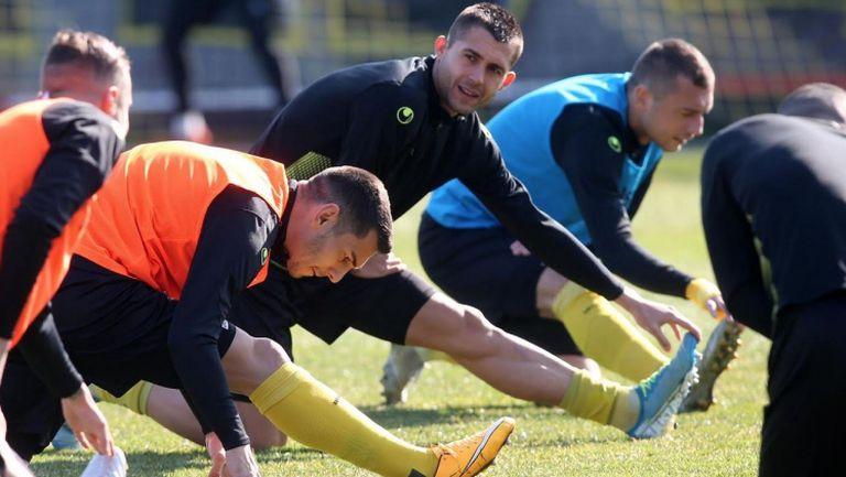 Футболистите на Ботев Пд се подготвят за дербито с Локо Пд