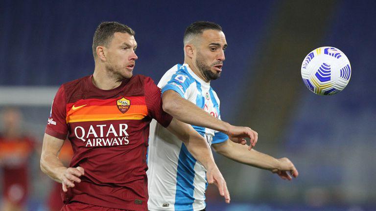 Интер и Рома следят защитник на Наполи