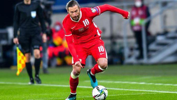 Още двама полски национали с положителни тестове преди дербито с Англия