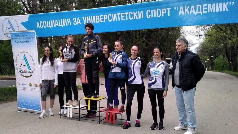 Мартин Недялков и Силвия Георгиева са победители в НУШ по лекоатлетически крос 2021