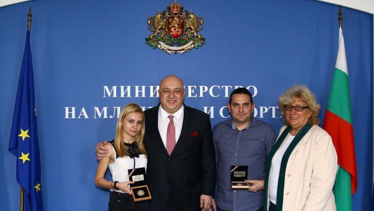 И министър Кралев награди Йоана Илиева