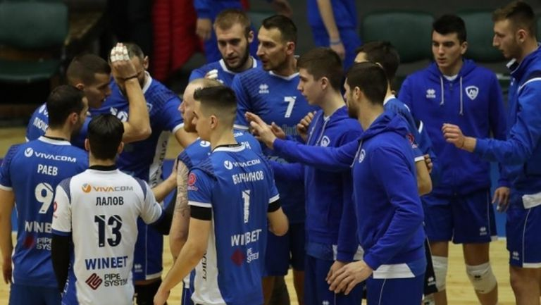 Волейболният Левски ще доиграе сезона основно с юноши