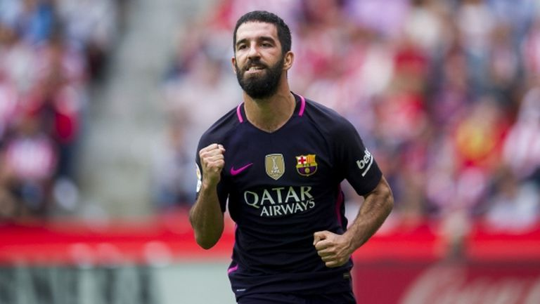 Арда Туран: Все още съм в Барселона заради договора ми