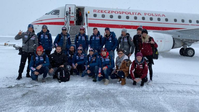 Пратиха правителствен самолет за полските ски скачачи