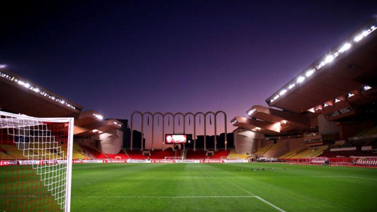 Във Франция мачове няма да има поне до 15 април