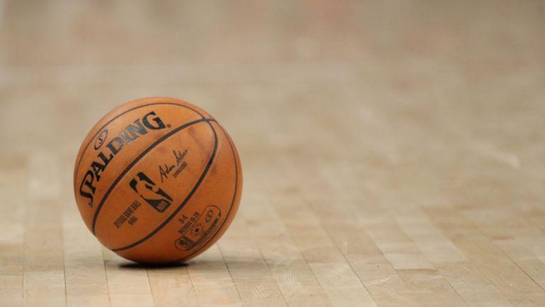 Баскетболистите от НБА ще получат пълните си възнаграждения на 1 април, но след това е неясно