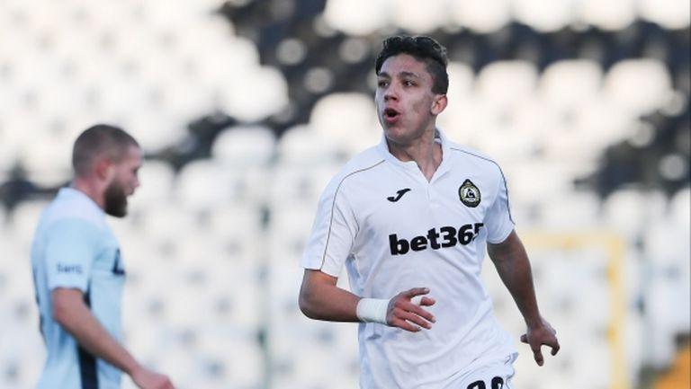 Талант на Славия: Амбициран съм да играя голям футбол и да бъда най-добрият