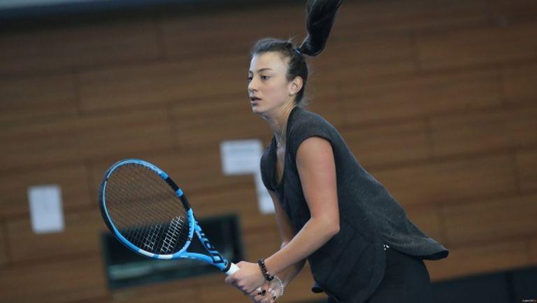 """Петя Аршинкова също част от кампанията """"Вкъщи с българските тенис звезди"""""""