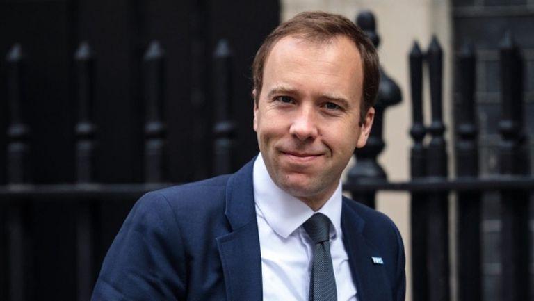 И здравният министър на Великобритания призова футболистите да намалят заплатите си