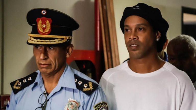 """Роналдиньо пусна видео от затвора, представяйки """"нападател"""" Пабло, вижте го"""