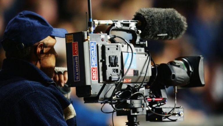 Тежест от 371 милиона паунда падa от плещите на клубовете в Премиър лийг