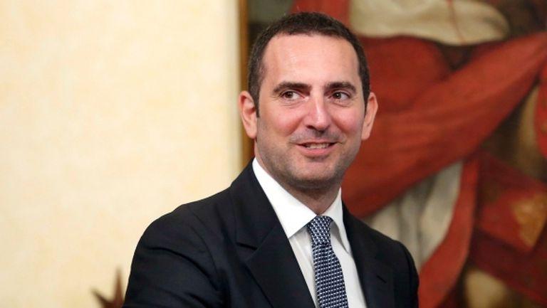 Искаме тренировките да се подновят на 4 май, заяви министърът на спорта на Италия