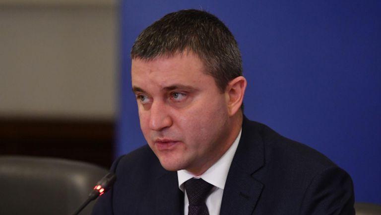 """Министър Горанов съветва клубовете да не искат помощ по схемата """"60/40"""""""
