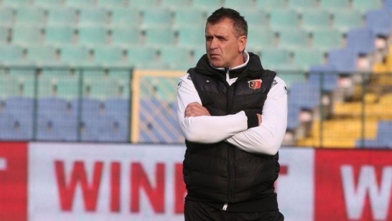 Акрапович и двама футболисти на Локо (Пд) се завръщат в България