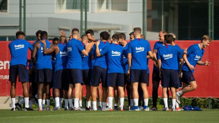 Тестват играчите на Барселона на 6 май и ако всичко е наред, подновяват тренировки