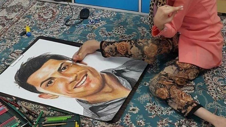 Художничка с 85% парализа нарисува портрет на Кристиано