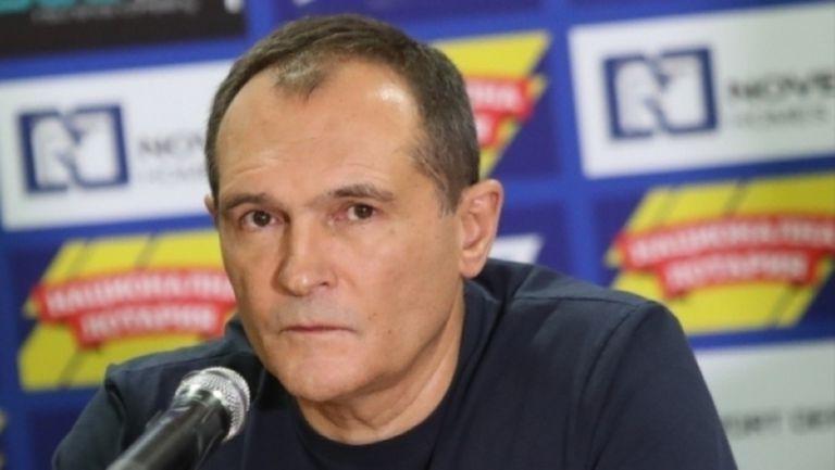 Как ще оцелее Левски, ако Божков откаже да даде акциите и да издържа клуба? Ето два от вариантите