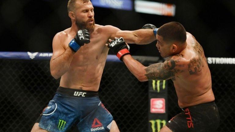Антъни Петис и Каубоя си спретнаха здрава битка на UFC 249
