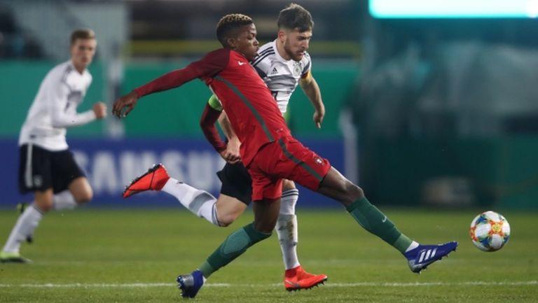 Милан отново се е насочил към 20-годишен талант от Португалия