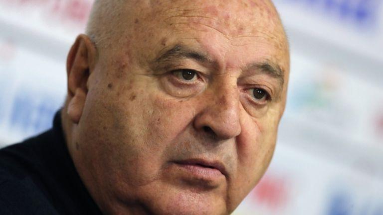 Венци Стефанов: Да не се месят футбол и политика - УЕФА и целият народ гледат