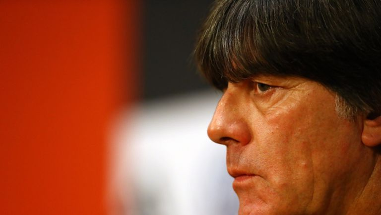 Дори на Льов не дават да гледа Бундеслигата на живо