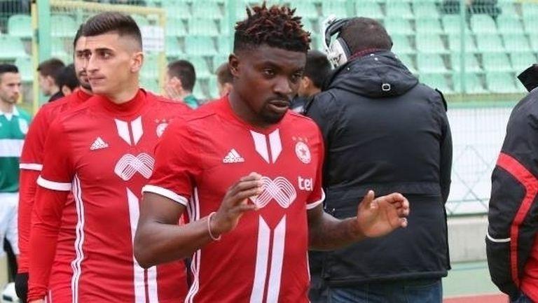 Нотингам иска бивш халф на ЦСКА-София