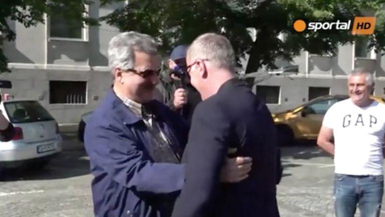 Наско Сираков, Павел Колев и Тодор Батков дойдоха да поднесат цветя за годишнината на Левски (видео)