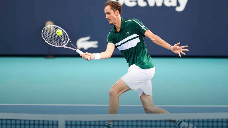 Медведев и Циципас за първи път са четвъртфиналисти в Маями, дебютантът Корда с първа победа над играч от топ 10