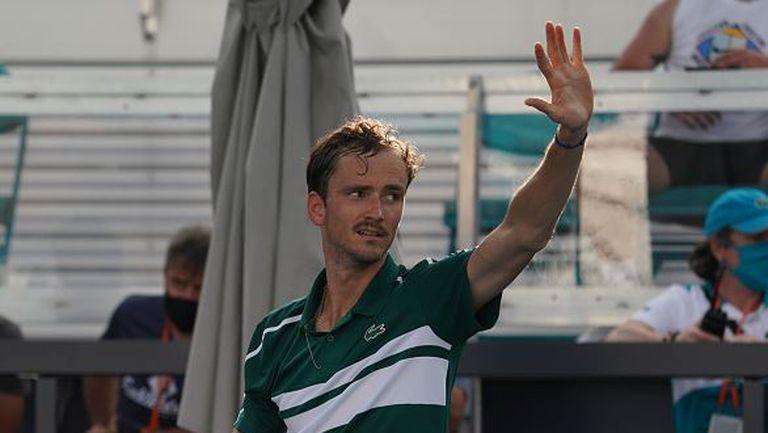 Медведев е на първи четвъртфинал в Маями
