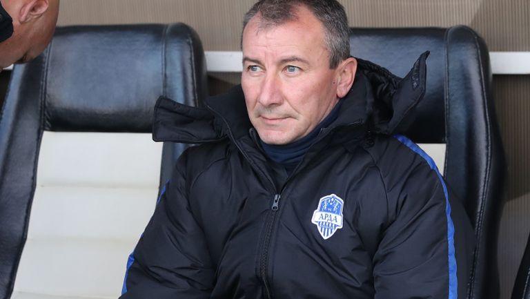Стамен Белчев за Sportal.bg: ЦСКА си има добър треньор, а аз си имам клуб